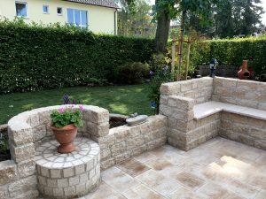 Mediterrane Terrasse Mit Gemutlicher Sitzecke Gartengestaltung Michael